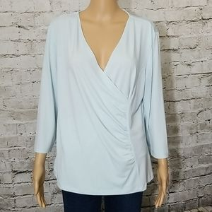 🏵Edward's light blue top ruched side size XL